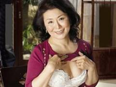 六十路母が息子に自慰行為を見られ熟れた肉体を貪られる 松岡貴美子