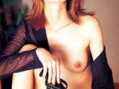 【元ギリギリガール・もちづきる美】全裸ヌードでセックス