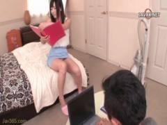 【動画】めっちゃキレイなお姉さんがパンチラでボクを誘惑してくる