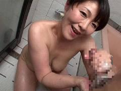 円城ひとみ 巨乳風俗嬢(四十路)が人気の理由は中出しSEXという濃厚な裏メニューだった