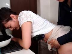 竹内紗里奈 夫が作った借金返済を手伝ってくれたはずの義父の裏切りあう美人妻!