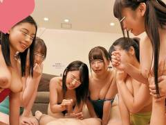 競泳水着を纏った肉食系女子たち!