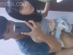 素人 完全ガチ。アジアの若いカップルがトイレでセックス。スマホ撮影。