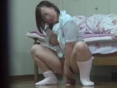 【初撮りオナニー動画】一人暮らしの女の子がいつもこんなに激しいオナニーをしている事を知っていましたか!?