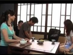 【おっぱい】新澤久美子・すごくセクシーな五十路の豊満奥さん!隣の子供の童貞を筆おろしします。