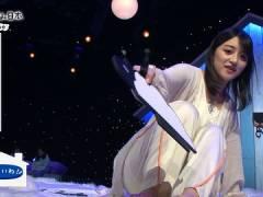 NHK赤木野々花アナ、パジャマのお尻が透けて下にはいているモノが見えてしまう。