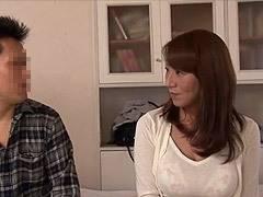 藤下梨花 爆乳の母親と数年振りに再会し、甘える息子と禁断の中出し性交!