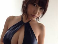 【岸明日香動画you】豊満な肉体とハイレベルなルックスで人気のグラビアアイドル岸明日香!