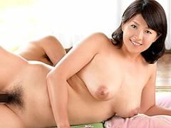 笹山希 息子の使用済みティッシュに興奮した母親の中出し近親相姦SEX