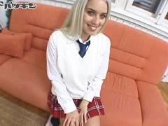 【ソフィー(Shopie)】プラチナブロンドのスケベ女子校生を連れ込んでパイパン割れ目に中出しハメ撮りしちゃうオジサンチンコ