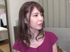 【エロ動画】街でナンパしたスレンダーなお姉さんと激しく腰を振り合う