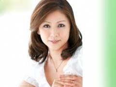 43歳美熟女・松嶋友里恵の初撮りデビュー作品です
