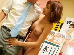 明日花キララ AV女優としてのテクを見せつけ店長をメロメロにさせちゃうww