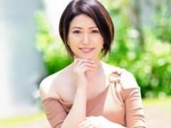 【初撮り熟女】奇跡の49歳美魔女がデビュー!禁欲解放ケダモノセックス! 甘乃つばき