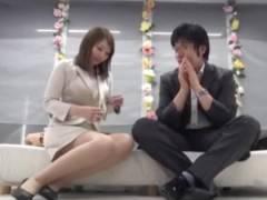 【MM号】上司と部下の関係である男女が報酬を貰えるならエッチしちゃうのか盗撮し検証