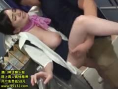 巨乳CAの吉川あいみが飛行機のギャレーでガン突きされ顔面にザーメンをかけられる