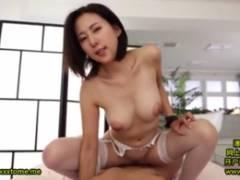 巨乳の松下紗栄子が主観アングルのセックスでパイパンマ〇コに中出し発射させる