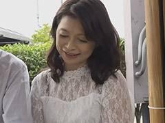 遠田恵未 六十路の熟年夫婦がフルムーン旅行で温泉に浸かるや否や中出しSEX!