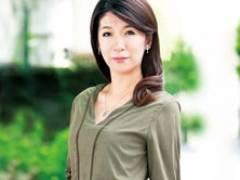 【初撮り熟女】田舎育ちのスレンダー妻に全身網タイツを着せてセックス! 宮田良子