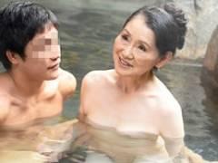 七十路のお婆ちゃんと孫が温泉旅行で禁断セックス! 澤すみれ